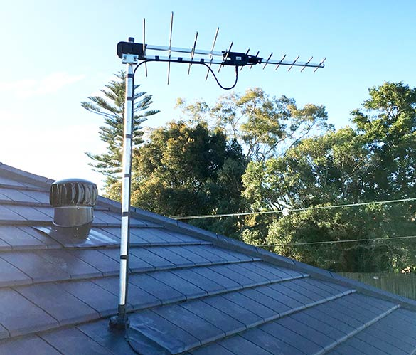 Hills Truband Digital Antenna on a rafter mount.